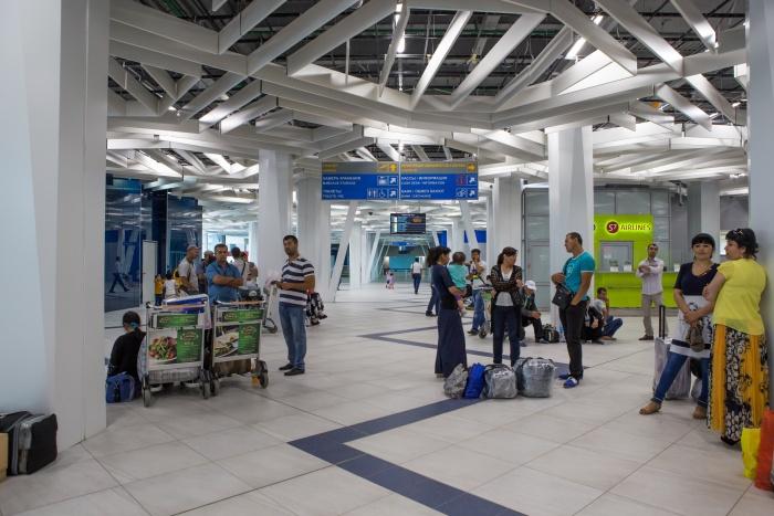 Многие новосибирцы узнают о своих долгах уже в аэропорту