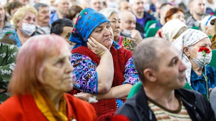 «Сразу же уволили»: под Волгоградом почтальон оставила себе пенсии шести ветеранов