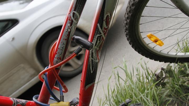 В Копейске в аварии с легковушкой погиб 15-летний велосипедист
