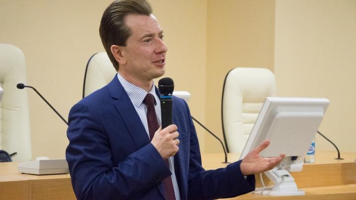 День политконсультанта: студенты ЮУрГУ встретились с депутатом Владимиром Бурматовым