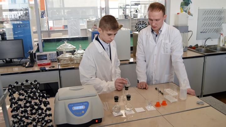 Путин отправил красноярскому школьнику набор юного химика