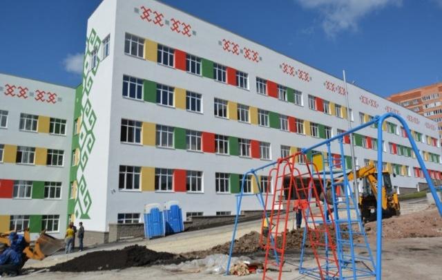 Мэр Уфы объяснил, почему задержали открытие новых школ