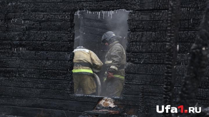 При пожаре в Башкирии пострадала 77-летняя женщина