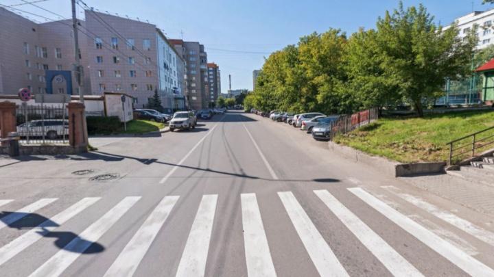 15 человек эвакуировали из отеля в Красноярске из-за угрозы гостя с муляжом гранаты