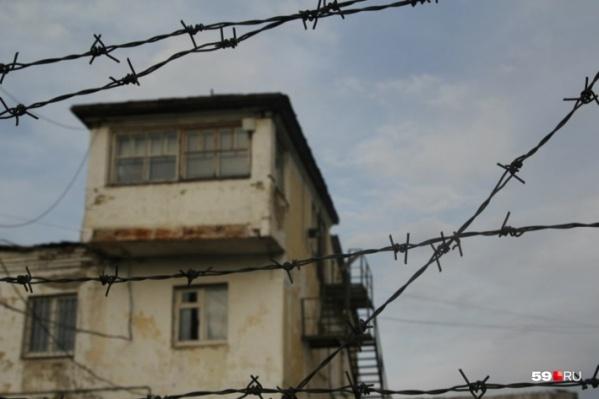 В колонию 28 октября приезжал прокурорпо надзору за соблюдением законов в исправительных учреждениях, но жалоб от заключенных ИК-9 ему не поступило