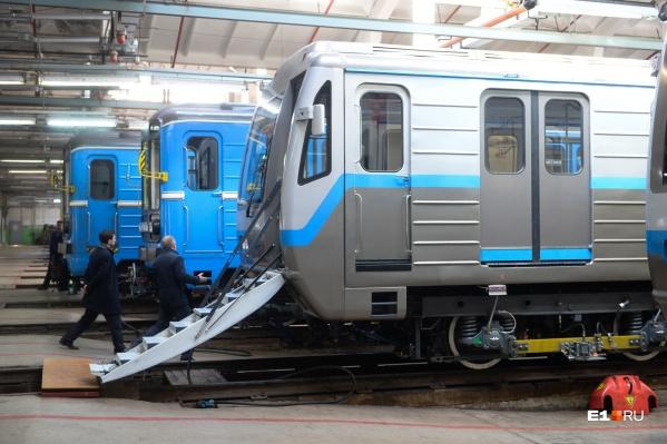 Сократить интервалы движения поездов в выходные дни позволила закупка новых составов