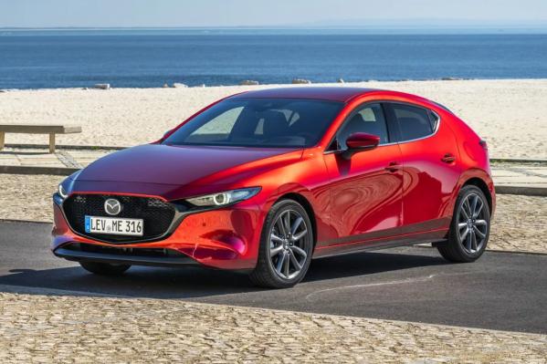 Новая Mazda 3 продается в кузове хетчбэк