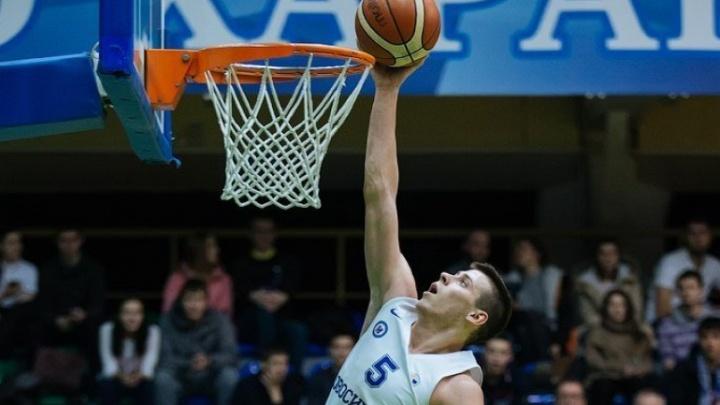 Новосибирского баскетболиста вызвали в тренировочный лагерь сборной России