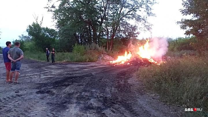 Мусорный детектив: общественник из Ростовской области выследил грузовик с горящими отходами в кузове