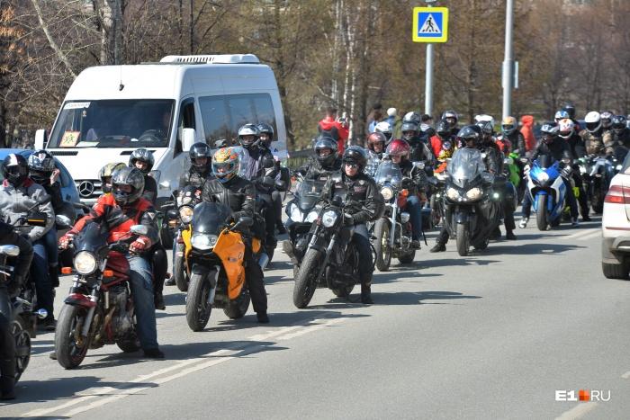 Байкер отсудил у дорожников 688 тысяч рублей