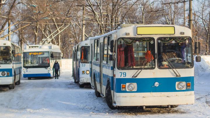 Стали известны некоторые детали загадочной смерти мужчины в троллейбусе