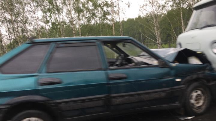 Лоб в лоб на мокрой дороге: на окружной в Ярославле произошло серьёзное ДТП