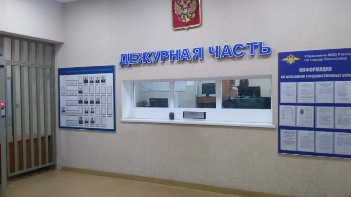 «В полиции никого нет»: в Волгограде отдел с задержанными маршрутчиками покинули все начальники