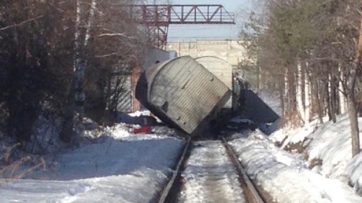 На Сортировке вагон упал на железнодорожные пути промзоны