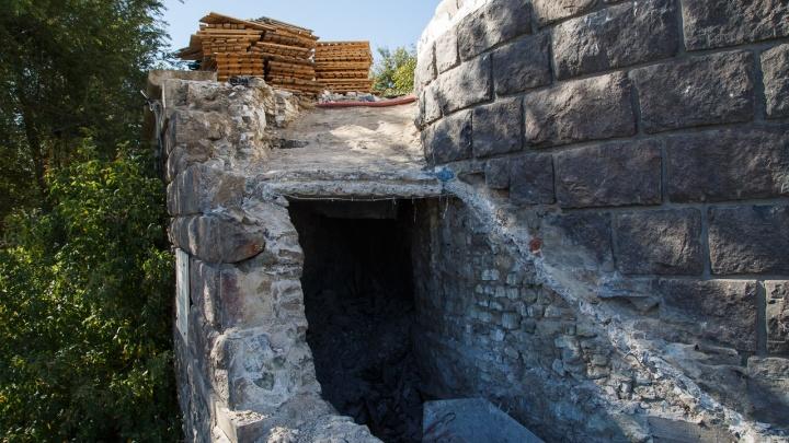 «Коня Чингисхана там не нашли»: рабочие обнаружили две тайные комнаты под волгоградской ротондой
