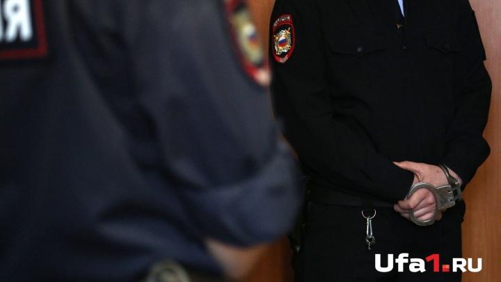 Сделала «кусь»: в Уфе мать покусала полицейского, который поймал ее сына на воровстве