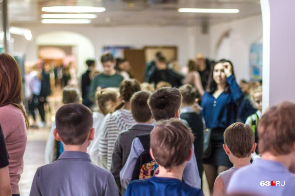 Мест для первоклассников не хватает в школах Октябрьского и Кировского районов