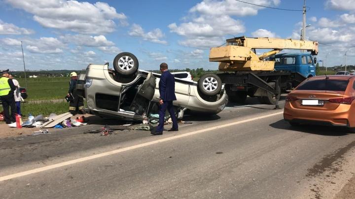 ДТП под Уфой: в микрорайоне Зинино на высокой скорости столкнулись автомобили