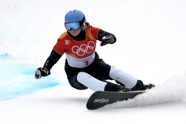 Алёна Заварзина упала в двух решающих заездах