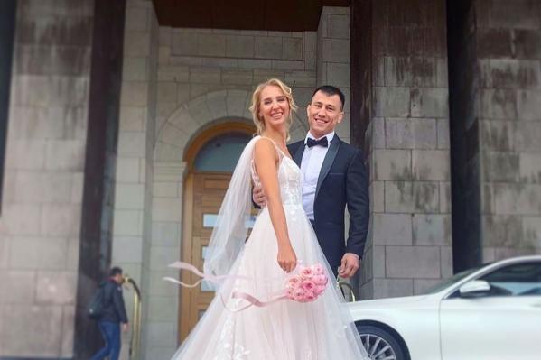 Роман Власов женился на шпажистке Виолетте Колобовой