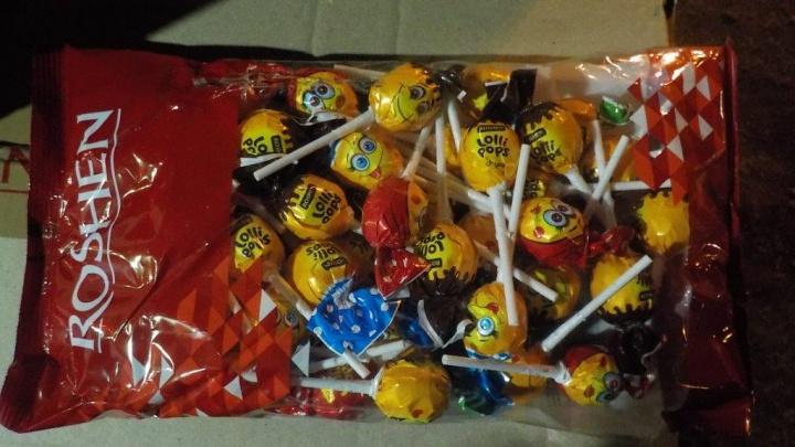 Провез 600 кг: поставщик санкционных конфет в Самарскую область попал под статью