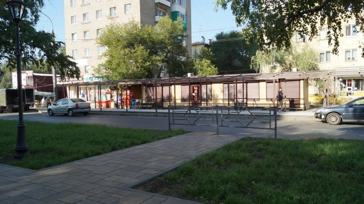 Дорожки в никуда и скамейки на цепях: как благоустраивают бульвар на улице Революционной