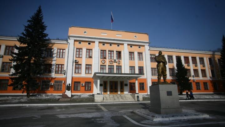 «Приходится бежать отсюда»: работники завода Чкалова пожаловались на массовые сокращения