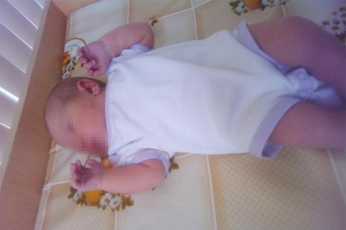 Девочка родилась 4 марта, а через несколько дней её маме объявили, что забирают ребёнка