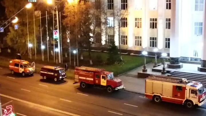 В главном корпусе БашГУ произошел пожар, эвакуировали 30 человек