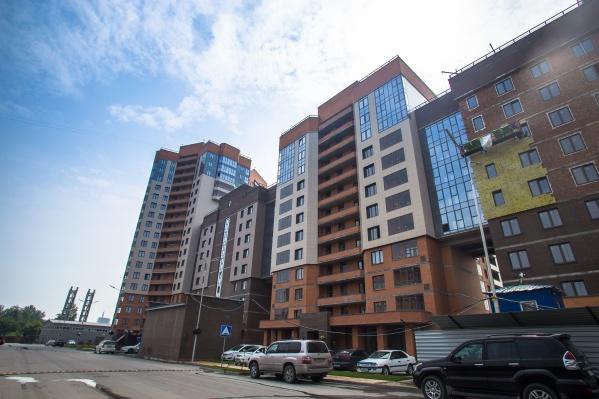 Октябрьский район уже несколько лет держит пальму первенства по вводу нового жилья, потому и вариантов в аренде здесь больше всего