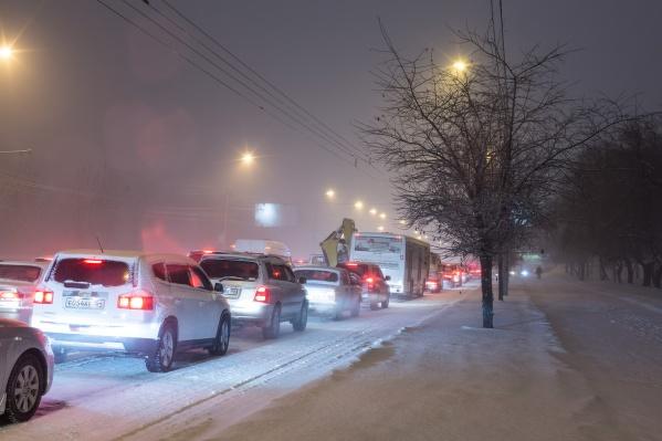 Пробки в городе в час пик утром колебались в районе 7–8 баллов. Фото из архива НГС