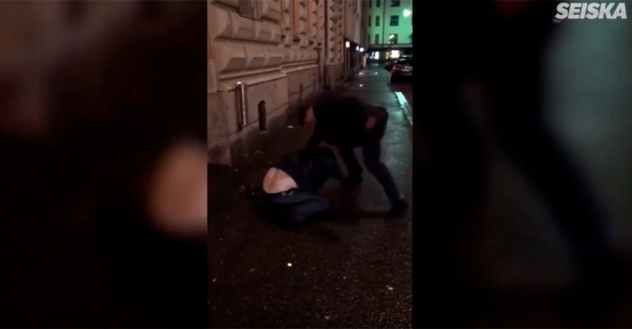 Видео потасовки экс-тренера «Авангарда» Сумманена спрохожим выложили всеть