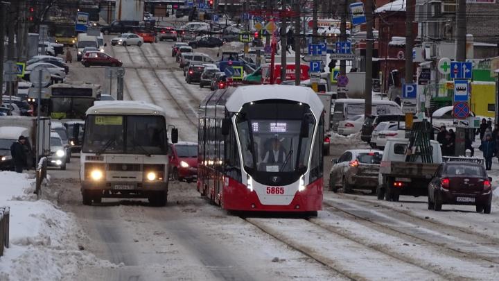 В новогоднюю ночь в Перми будут работать 3 трамвайных и 8 автобусных маршрутов