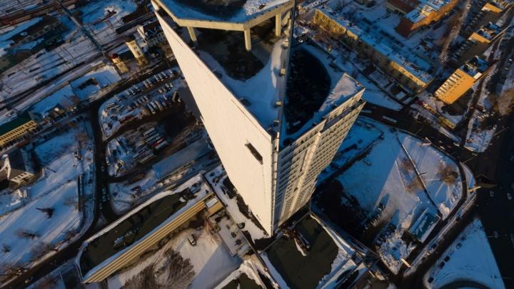 Достроить в 2019 году или пустить с молотка: в Екатеринбурге решат судьбу небоскрёба «Свердловск»