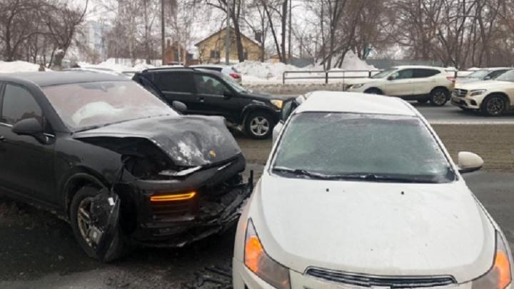 В МВД назвали виновника ДТП с Porsche на улице Ново-Садовой