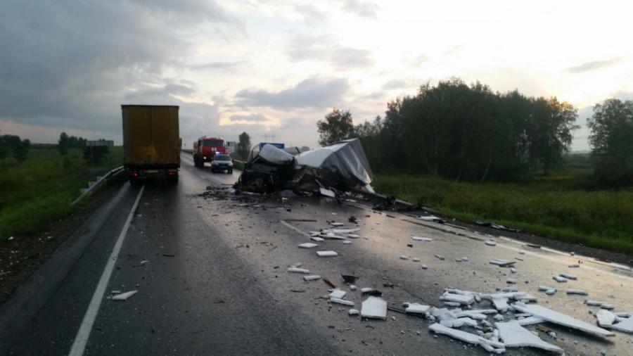 Натрассе Новосибирск— Кемерово вжутком ДТП умер шофёр «Газели»
