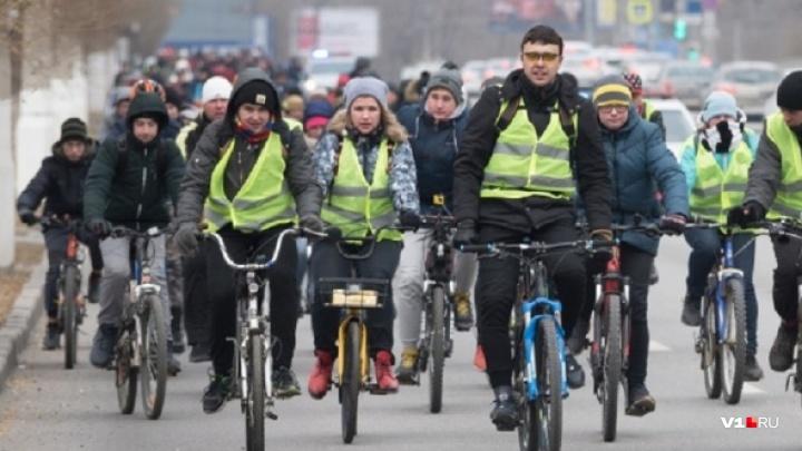 Погода не помеха: волгоградцев зовут на зимний велопарад