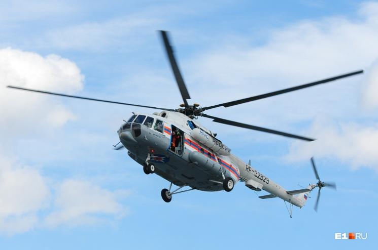 Для поиска пропавших туристов МЧС использовало вертолет