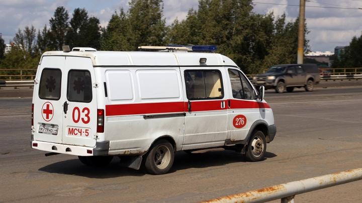 В Тевризе 25-летняя девушка нечаянно выстрелила в себя из пистолета