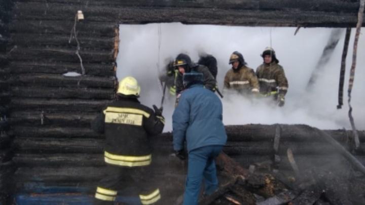 Девочки, потерявшие в пожаре под Уфой мать и двух сестер, хотят обратиться за помощью к Хабирову
