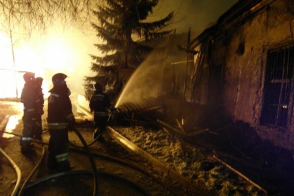 Возгорание произошло в 4:20 утра