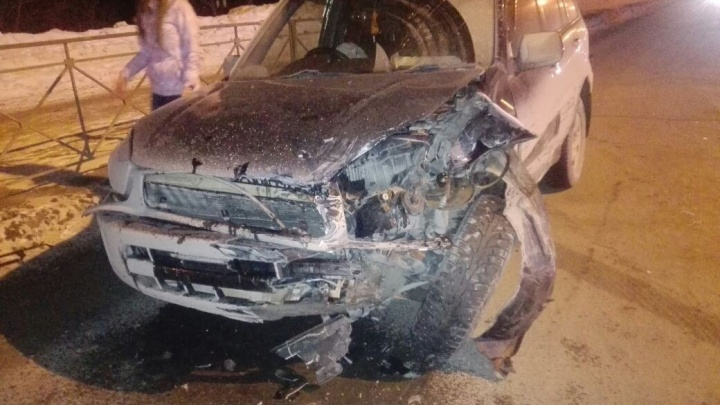 Toyota RAV4 вылетела на встречку и протаранилаToyota Corolla