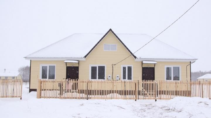 Жители контейнеров из Азово переедут в благоустроенные домики