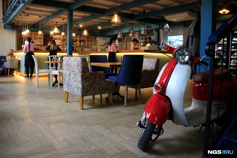 Интерьер нового ресторана на улице Ленина
