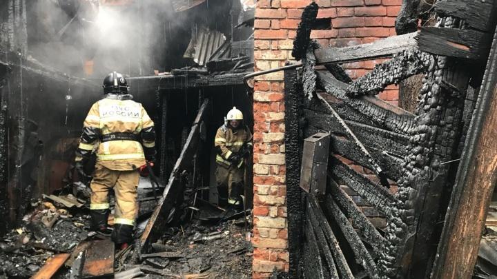Люди выпрыгивали из окон: из-за чего вспыхнул жилой дом в центре Самары