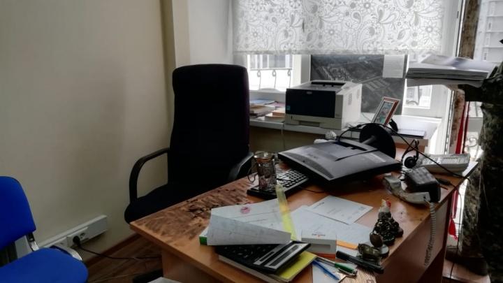 Хотел насолить бывшей: в Екатеринбурге задержали мужчину, который разгромил редакцию «Коммерсанта»