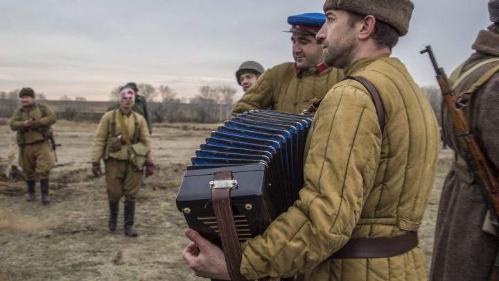 Волгоградцев зовут 23 августа смотреть на газоне комедии о войне и любви