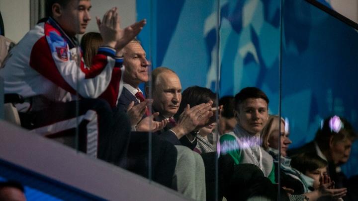 Метро, шоу, кортежи: главное о визите Владимира Путина в Красноярск в фото и на видео