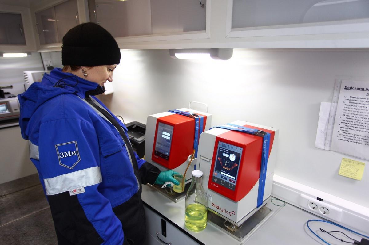 Сибирские автомобилисты проверили топливо на АЗС