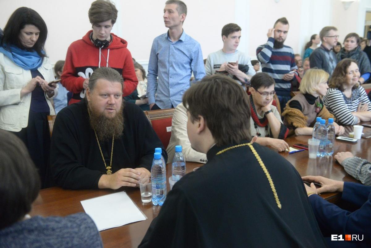 «Некорректно навязывать благотворителю места для строительства собора»: обращение епархии к мэру